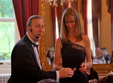 1ST BIRTHDAY MAGICIANS IN BERKSHIRE AND ANNIVERSARY MAGICIANS IN BERKSHIRE